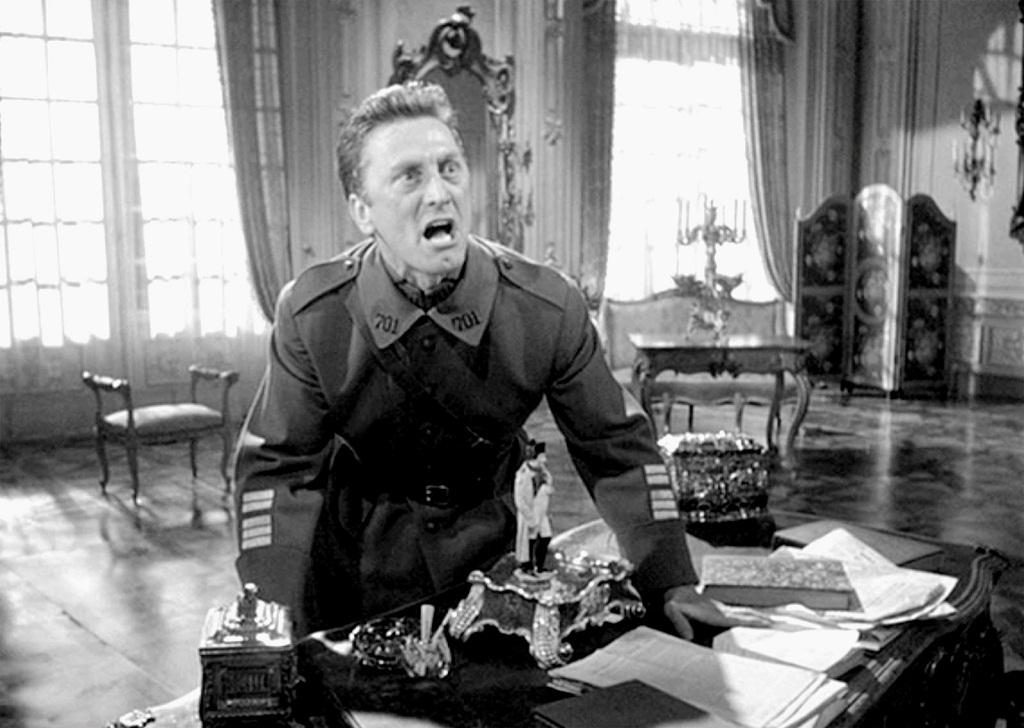 kirk-douglas-1957-patrulla-infernal
